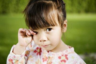 У ребенка слезятся глаза