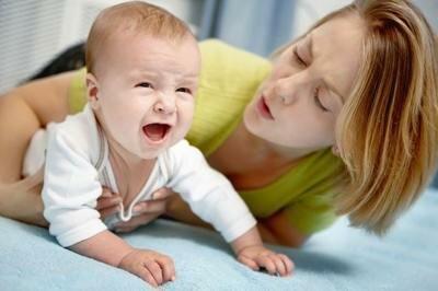 Почему трясется подбородок у новорожденного?