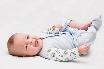 Какую одежду покупать для новорожденного?